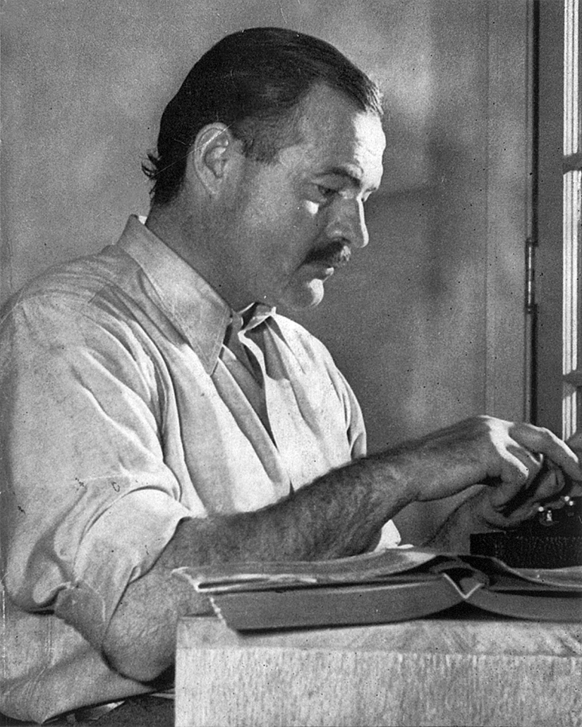 ErnestHemingway Working in 1939